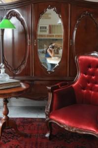 רהיטים בסגנון עתיק