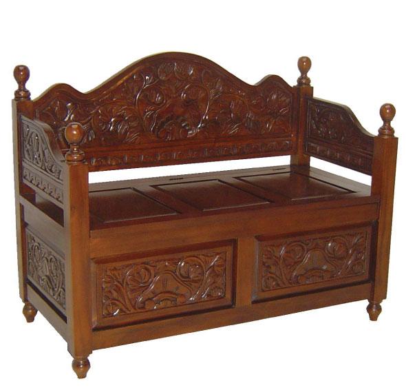 ספסל מעוצב עם מקום אחסון