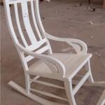כסא נדנדה לבן