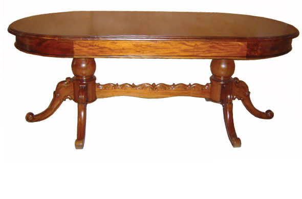שולחן אוכל אובלי מעץ