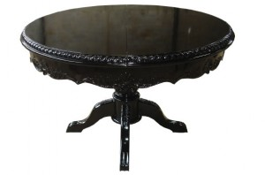שולחן אוכל עגול עם רגל מרכזית