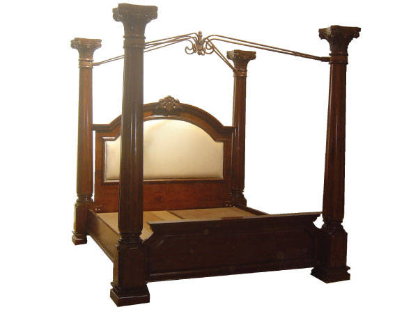מיטה עם אפיריון מעץ מהגוני