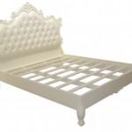מיטה עם גב קפיטונז' בגימור ווש