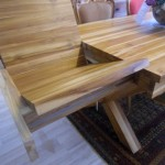 שולחן עץ מלא נפתח