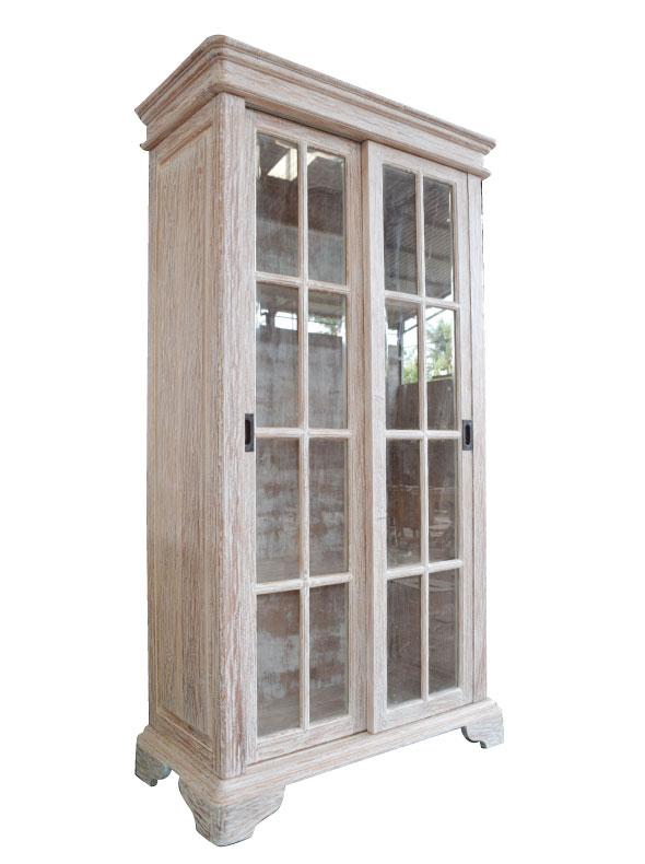 ויטרינה כפרית עם דלתות הזזה