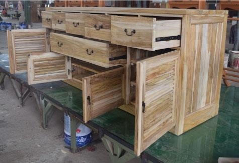 מזנון כפרי עשוי עץ טיק בגימור טבעי