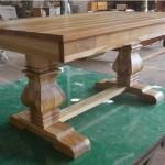 שולחן אוכל מעוצב מעץ טיק מלא