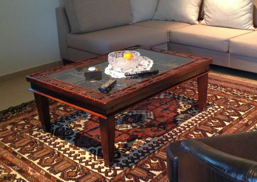 שולחן עץ לסלון
