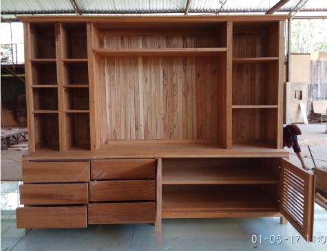 ספריה משולבת מעץ מלא