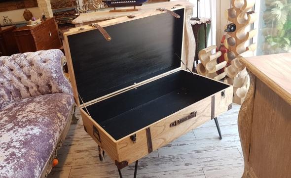 שולחן סלון בעיצוב ייחודי