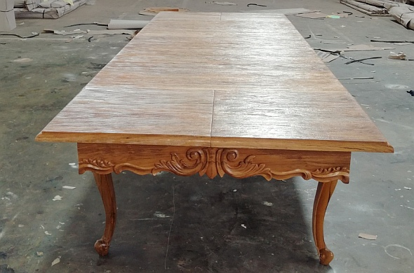 שולחן אוכל נפתח מעץ טיק
