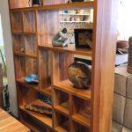 ספריה פתוחה מעץ מלא