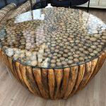 שולחן ענפים עם זכוכית